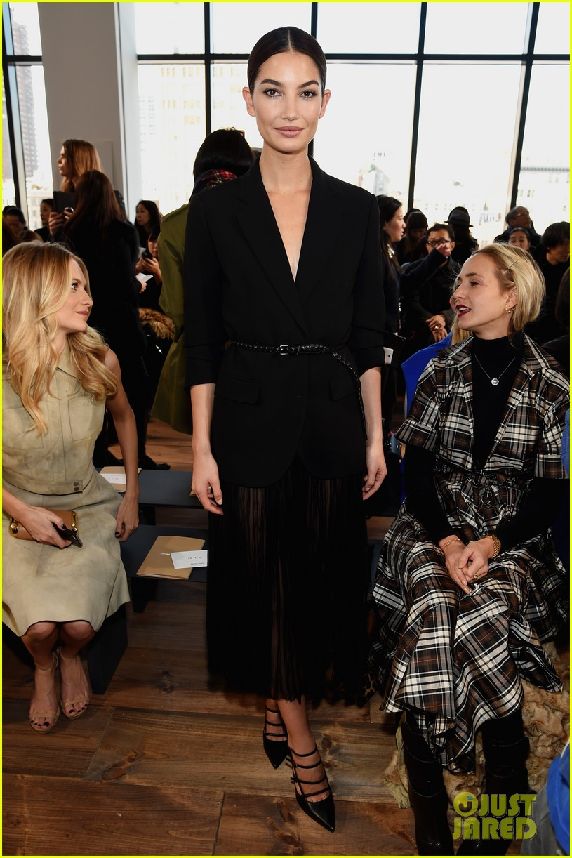 kate-hudson-lily-aldridge-michael-kors-fashion-show-14