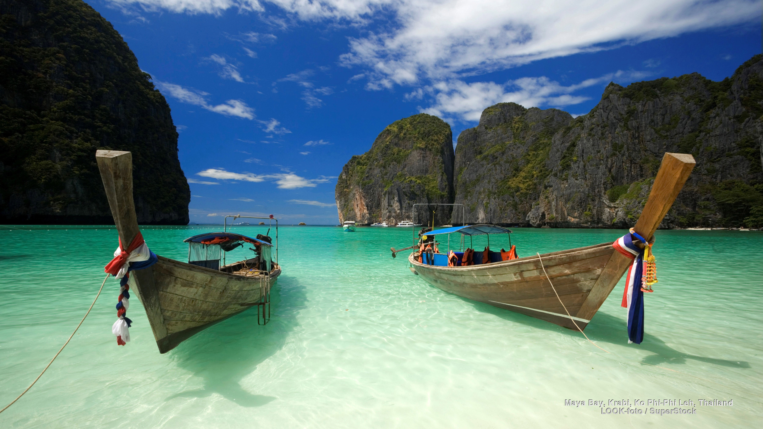 Maya-Bay-Beach-Thailand-Widescreen-Desktop-Wallpaper