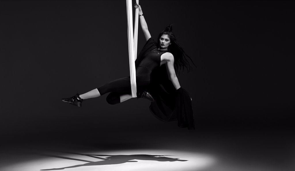 Kylie-Jenner-Face-Puma-Swan-Pack-Collection (1)